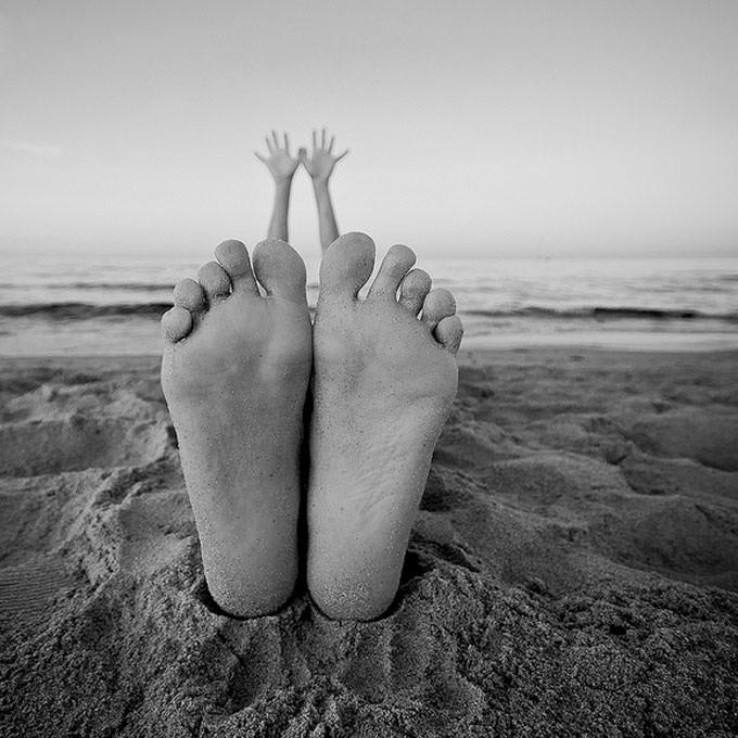 Questa estate che ci cola tra le gambe by Thomas Longo