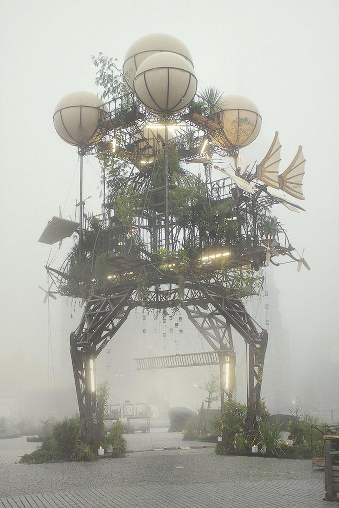 Aeroflorale II - La Machine by Hartmut Bosener