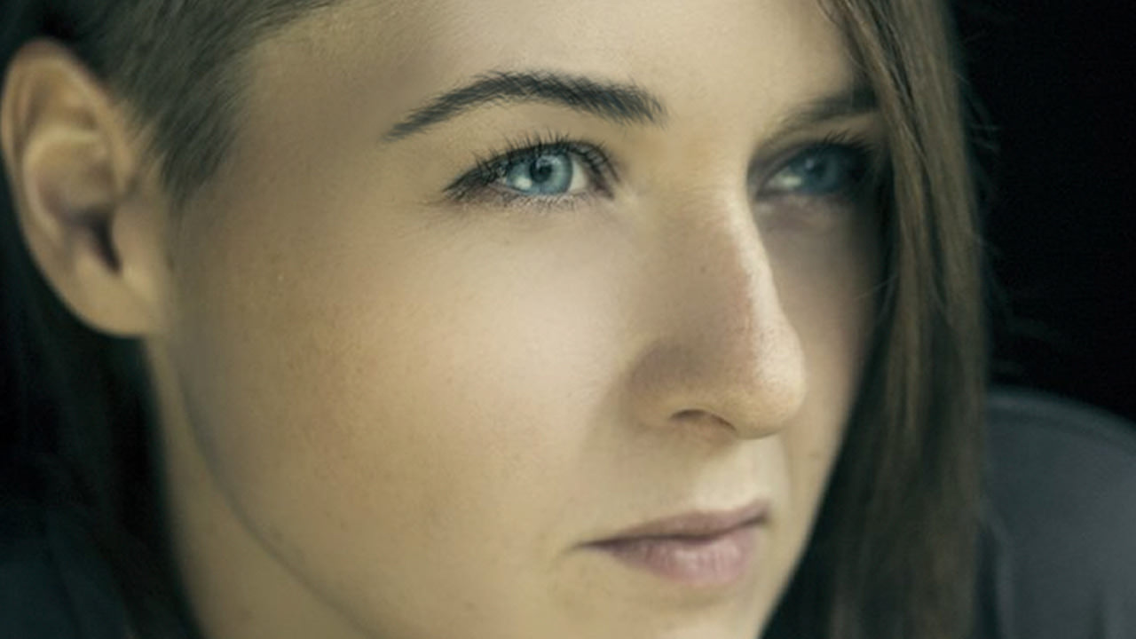 Create and Shape Eyebrows in Photoshop