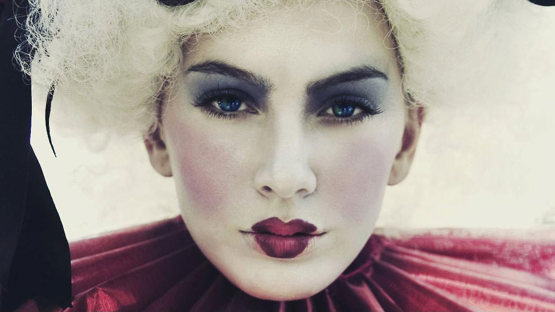 Here Is How To Apply Amazing Makeup in Photoshop Phlearn Style