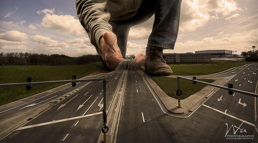 La route by Xavier Wttrwulghe