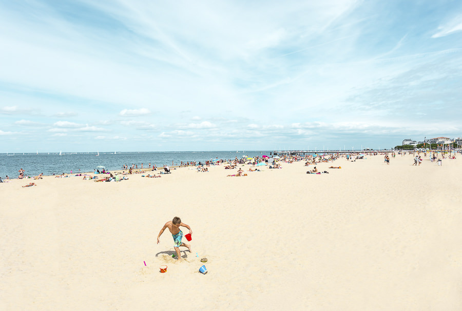Sand in my Shoes, Dancing in the sand, France 2014 by Julien Talbot