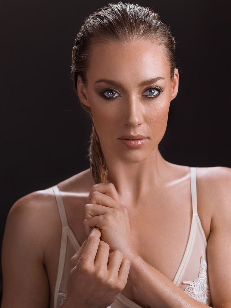 Photoshop Retouching Tutorials for Skin, Hair, Eyes, & Face