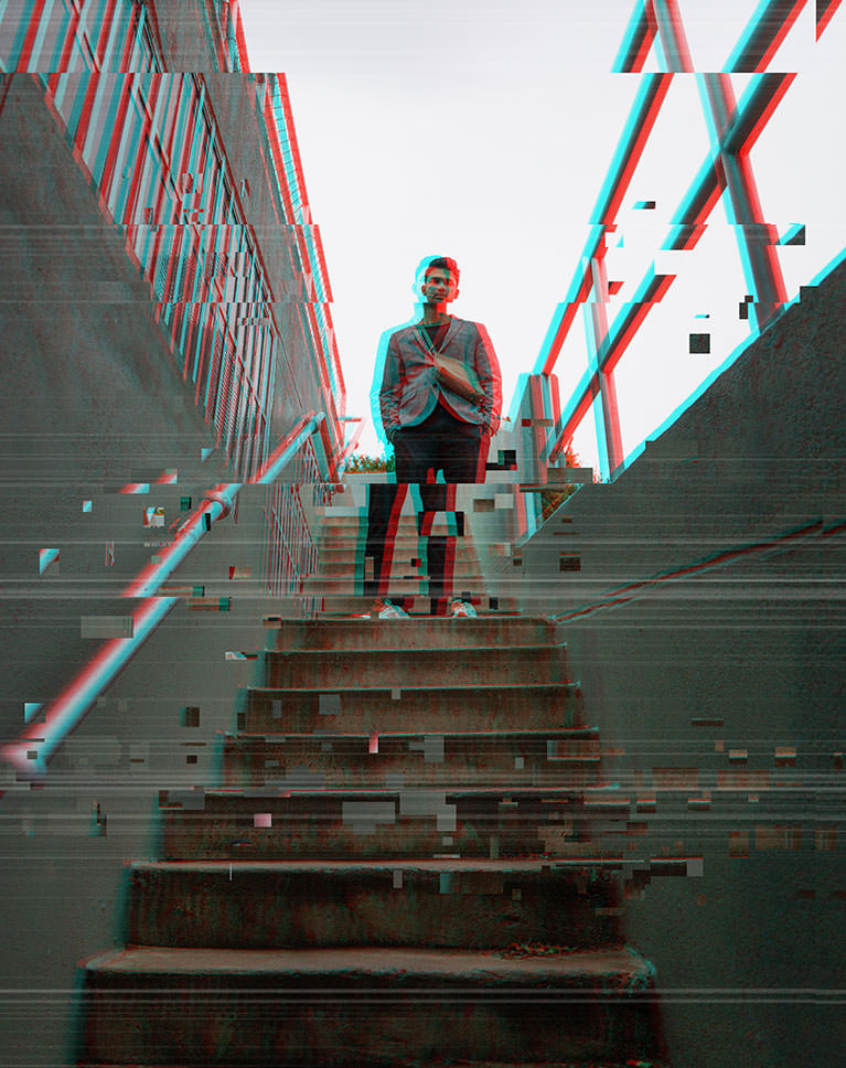create a glitch effect example 1 after